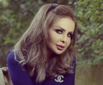 رولا سعد بملابس الرياضة مع مدربها..بالصورة