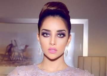 بلقيس تسقط أرضاً بكواليس فيديو كليبها الجديد وتُقلق محبيها على صحة جنينها- بالفيديو