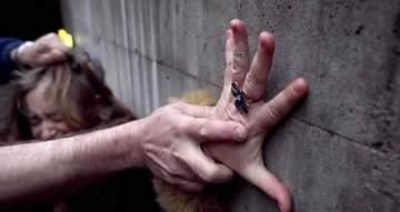 بعد إتهامها بالاساءة للرجل ..إعلامية مصرية تكشف عن ماضيها الأليم وتعرضها للاغتصاب- بالفيديو