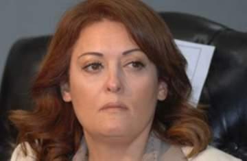 قتلوا نهال عنبر ومشوا في جنازتها!