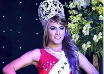 الوصيفة الاولى لملكة جمال المتحولين جنسياً تنتقم على المسرح بعد خسارتها! بالفيديو