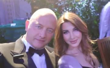 نانسي عجرم تتألق برفقة زوجها في حفل عشاء في موناكو -بالفيديو