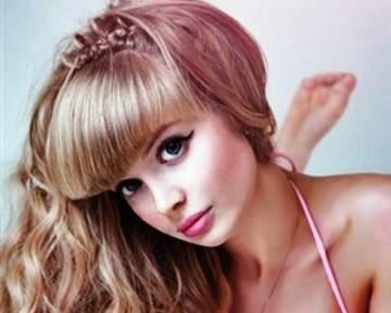 """بالفيديو ..شابة روسية كدمية """"باربي"""" منذ ولادتها"""