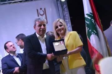 تكريم الإعلامية نبيلة بزي في حفل إطلاق مهرجان بنت جبيل