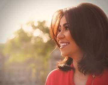 فستان شيرين عبد الوهاب يثير الجدل ويكشف المستور- بالصور