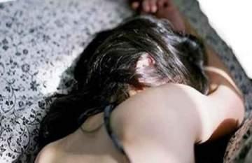 اعتداء جنسي من 5 رجال على قاصر
