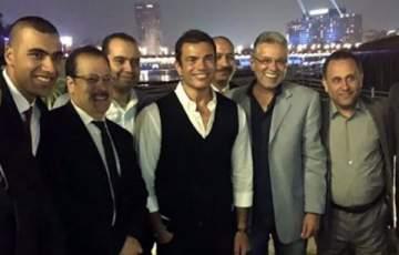 الظهور الأول لـ عمرو دياب بعد خبر زواجه من دينا الشربيني.. بالصور