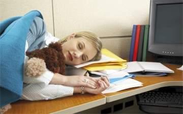 العمل في ظروف صعبة يؤثر على النساء أكثر من الرجال