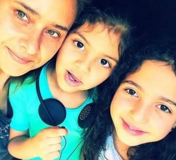للمرة الأولى نيللي كريم مع بناتها...بالصورة