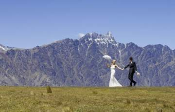 بالصور.. زوجان روسيان قررا التقاط صور زفافهما بنفسهما
