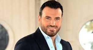 خاص الفن- خليل ابو عبيد يتحدث عما جمعه بملكة جمال لبنان!!
