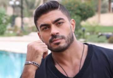 خالد سليم يحتفل بعيد ميلاده وسط مجموعة من المشاهير - بالصور