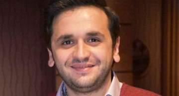 مصطفى خاطر يحتفل بعيد ميلاده مع أصدقائه.. بالصور