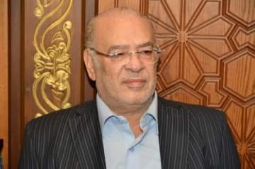 """صلاح عبد الله """"عمدة البلد"""" في """"عزمي وأشجان"""""""