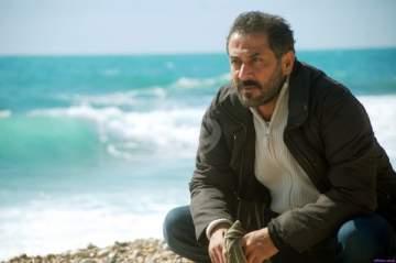 خاص الفن- ما حقيقة إصابة عبد المنعم عمايري بقذيفة؟
