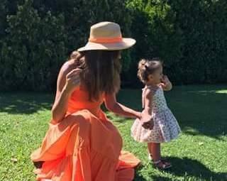 أحدث ظهور لديما صادق مع إبنتيها والصغيرة تفوقها جمالا..بالصور