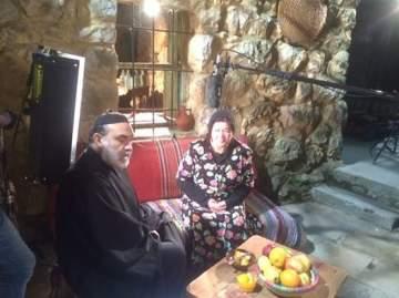 """ليلى قمري تتابع تصوير """"أحمد وكريستينا"""" مع الممثلين اللبنانيين..بالصور"""