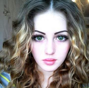 بالصور- عندما تشاهدون براءة وجهها لن تصدقوا أنّها تمتلك هذا الجسد المخيف!