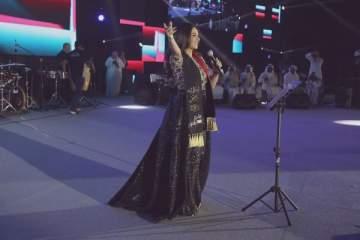 ديانا حداد تحتفل مع جمهورها الكبير باليوم الوطني الـ46 للإمارات ..بالصور
