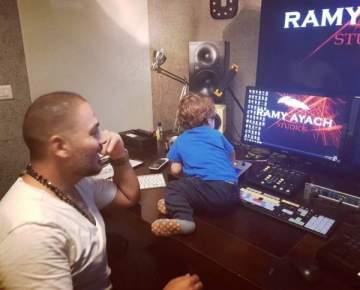 بالصورة- رامي عياش يحضّر لمهرجانات بعلبك.. وهذا ما فعله إبنه