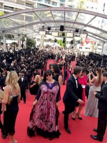 ميرنا يونس أول عربية بين نجوم هوليوود في مهرجان