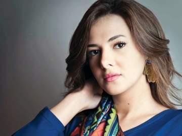 دنيا سمير غانم تعتذر من نادية لطفي.. بالصورة