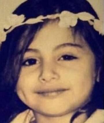 خمنوا من هي هذه الطفلة التي أصبحت اليوم اعلامية وممثلة شهيرة