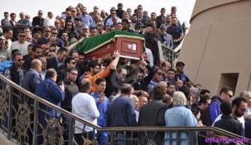 خاص بالصور- كبار النجوم في جنازة محمود عبد العزيز
