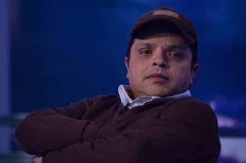 """محمد هنيدي لـ""""الفن"""": دخلت التمثيل بالصدفة و كان نفسي اكون لاعب كرة قدم"""