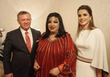 سميرة توفيق تحيي حفل عيد استقلال الأردن والملك عبد الله يمنحها وساما تقديرياً