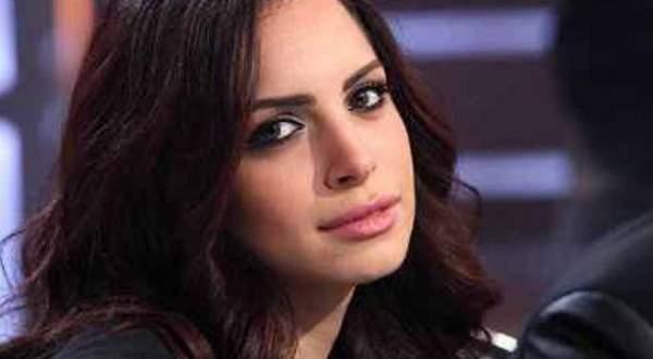 اعلامي مصري يعلن عن زواج أمال ماهر من تركي آل شيخ
