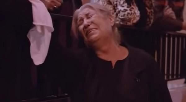 بالفيديو: منى واصف تبكي القلوب بعد مقتل إبنها في الحرب السورية