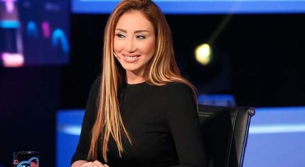 ريهام سعيد ترد على منتقدي شيرين: رفعت اسم مصر عالياً في العديد من المهرجانات
