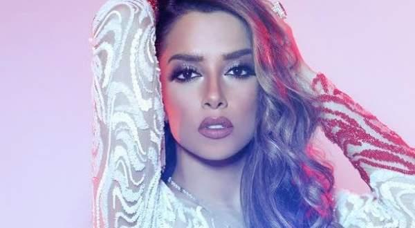 معجب يعترف بحبه لبلقيس في حفلها .. شاهدوا كيف كانت ردّة فعلها بالفيديو