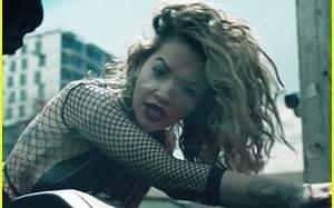ريتا أورا تطرح فيديو كليب أغنيتها Your Song