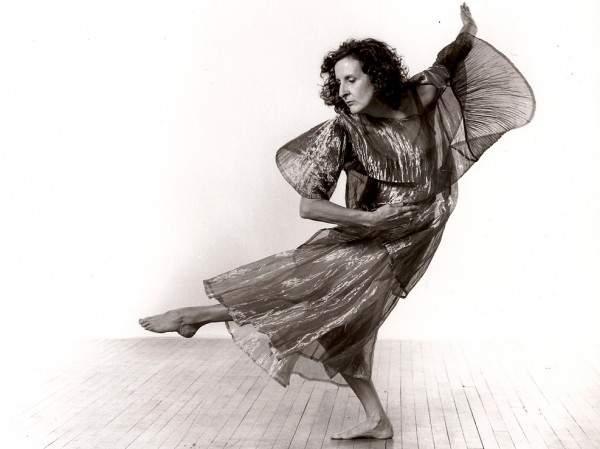 وفاة مصممة الرقص الشهيرة تريشا براون