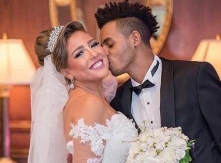 زوج مي كساب أمام القضاء