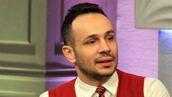 حزن محمد عطية واضح خلال عزاء والده...بالصور