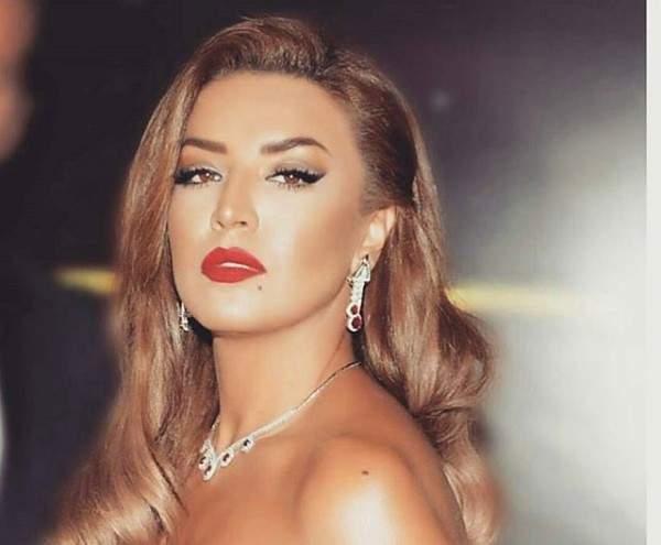 """أمل بوشوشة تطلب رأي جمهورها بـ""""لوكها"""" الجديد..بالصور"""