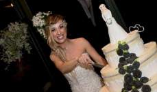 شي غريب: إيطالية تتزوج من نفسها وتقيم حفلا بالمناسبة!