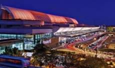 """عامل أمتعة """"مزعج"""" في مطار بسنغافورة يبدل بطاقات مئات الحقائب"""