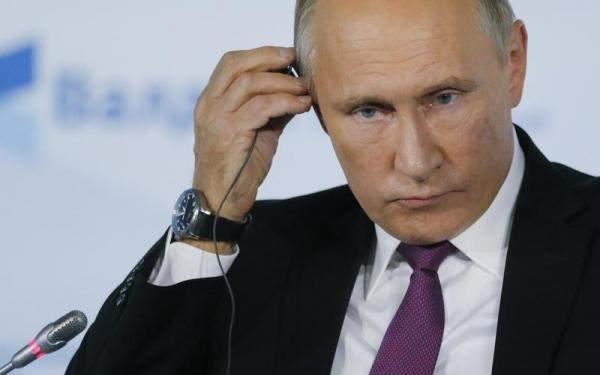 بوتين يطلق 3 محطات كهربائية لتخدم مونديال 2018