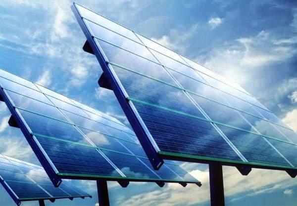 مصر:افتتاح أول محطة طاقة شمسية من أصل 32 محطة طاقة فردية