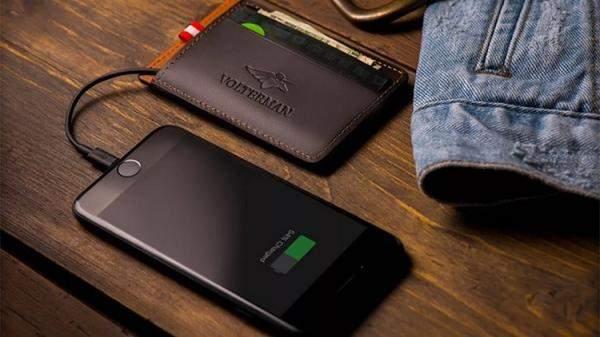 """أول هاتف مضاد للكسر من """"موتورولا"""" ومحفظة ذكية تصور سارقيها!"""