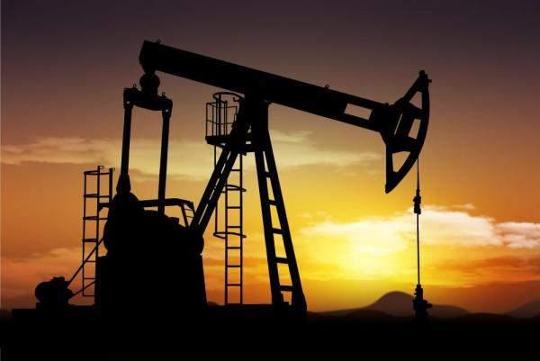 """النفط لا يزال تحت الضغوط..و""""برنت"""" يقلص خسائره"""