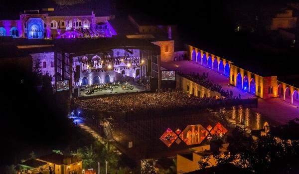 """خاص """"الإقتصاد""""- """"مهرجانات بيت الدين"""": نساهم بإضاءة هذا القصر الجميل وتحريك العجلة الإقتصادية في المنطقة"""