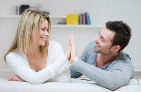 """من أجل الحب أو المال؟ كيفية تجنب """"الخيانة المالية"""""""