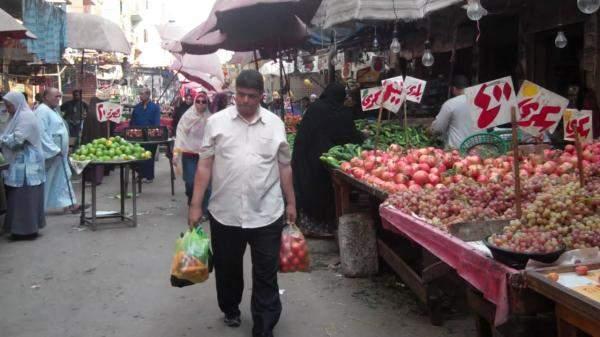 المصريون يخسرون نصف ثرواتهم في عامٍ واحد