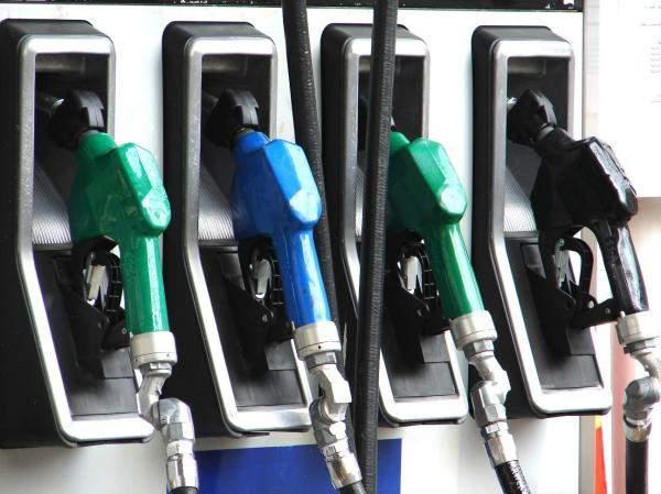 التقرير اليومي 13/6/2018: استقرار سعر البنزين وانخفاض 100 ليرة في سعر المازوت والديزل أويل