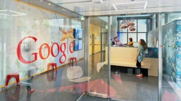 """""""غوغل"""" تقدم خدمة للبحث عن الوظائف وتزود سيارة بنظام """"أندرويد"""""""